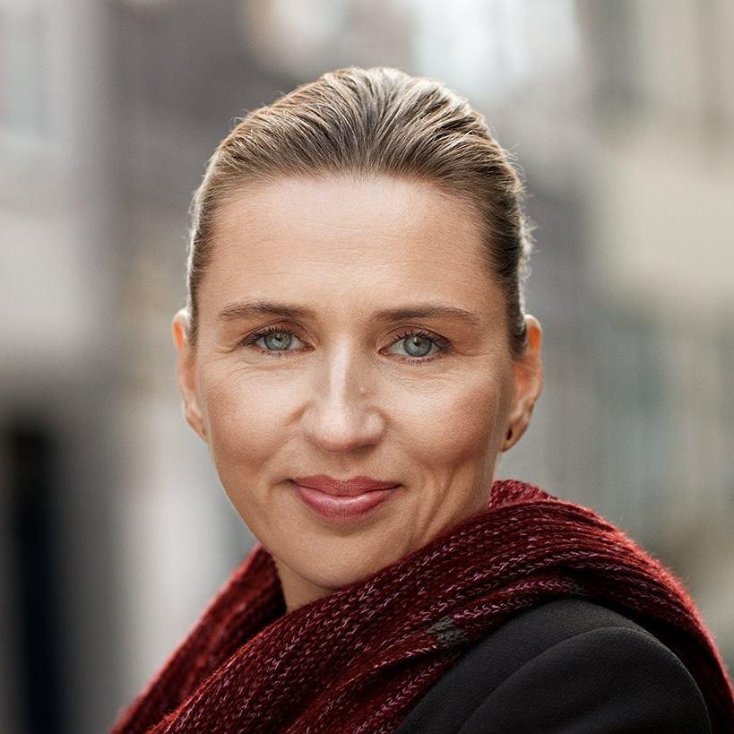 Officielt portrætfoto af Mette Frederiksen.